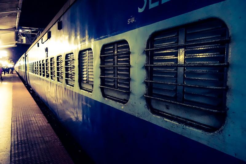 Der Poona-Express, Gleis 3.